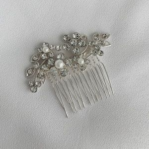 Beautiful Crystal Hairpiece ~ BRIDAL / Prom